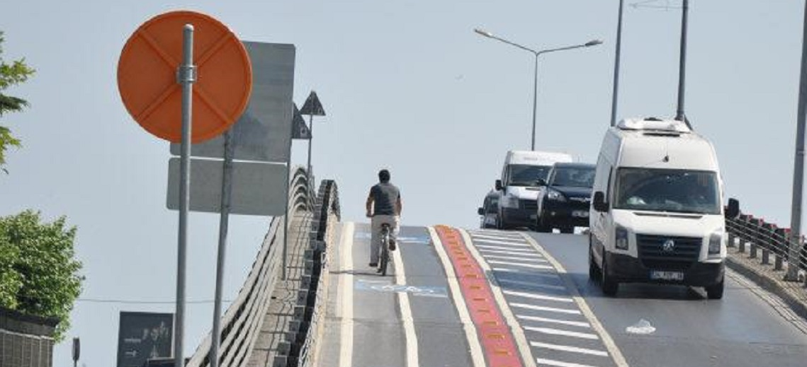 BikeLab spreads to six cities across Turkey. Photo by Bisikletliler Derneği.