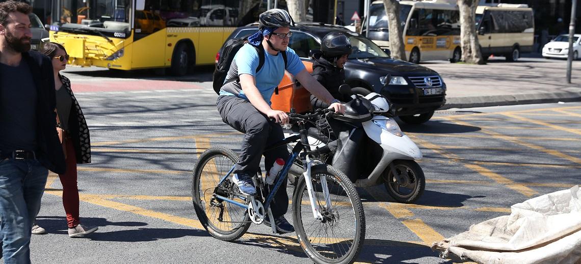 A cyclist in Istanbul, Turkey