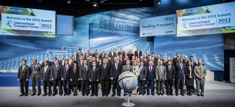 International Transport Forum (ITF) 2013 Family Photo. Photo by ITF/Flickr. Cropped.