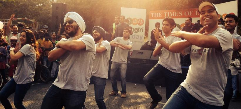 Celebrating First Raahgiri Day. Photo by EMBARQ.