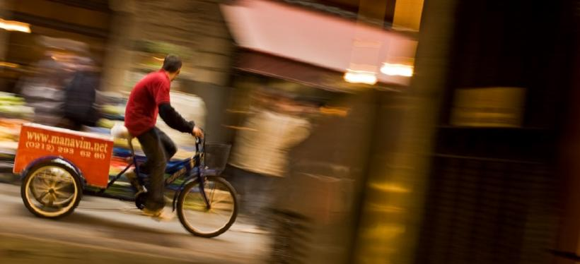 Biker in Istanbul, Turkey. Photo by Stefano Corso/Flickr. Cropped.