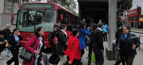 Bogotá, Colombia's TransMilenio BRT. Photo by EMBARQ Brazil.
