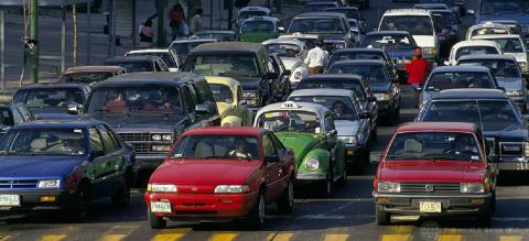 Traffic congestion in Mexico. Photo by Curt Carnemark/World Bank. Enlarged and cropped.