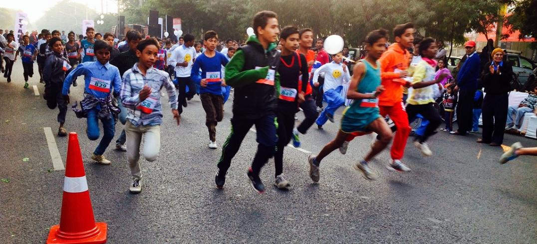 Road Race at Raahgiri Day. Photo by EMBARQ.
